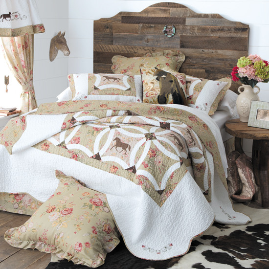 Wedding Ring Horse Quilted Bedding