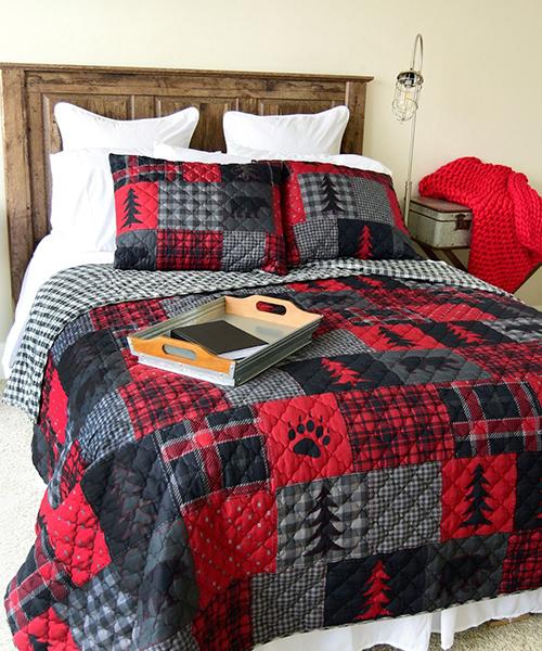 Donna Sharp Red Forest Bedding Quilt