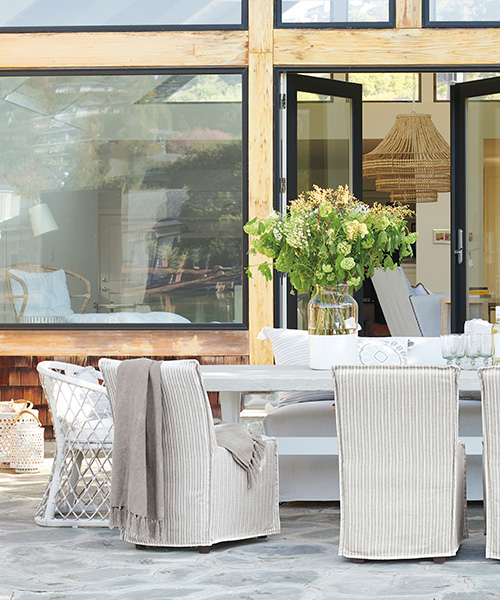 Chalk Hill Coastal Outdoor Dining Table