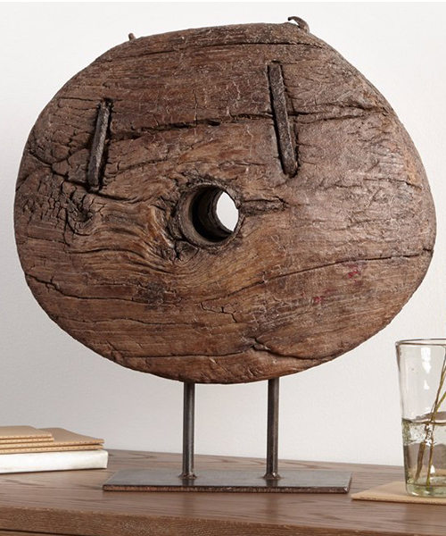 Wooden Wheel Stand