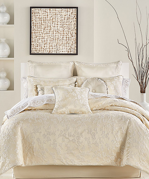 J Queen New York Blossom Comforter