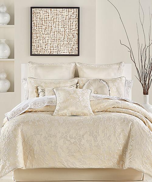 J Queen New York Blossom Comforter