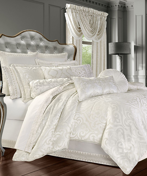 J Queen New York Cordelia Comforter Set
