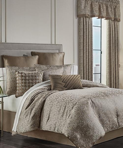 J Queen New York Cracked Ice Comforter Set