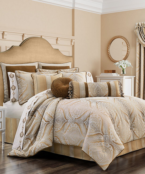 J Queen New York Gianna Comforter
