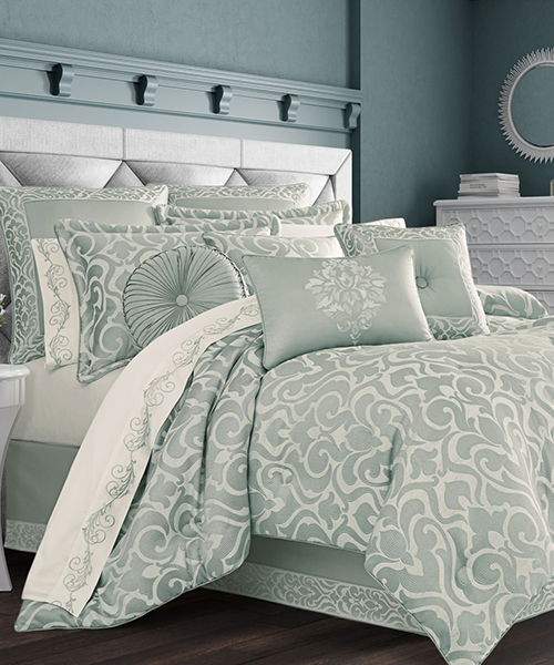 J Queen New York Lombardi Spa Comforter