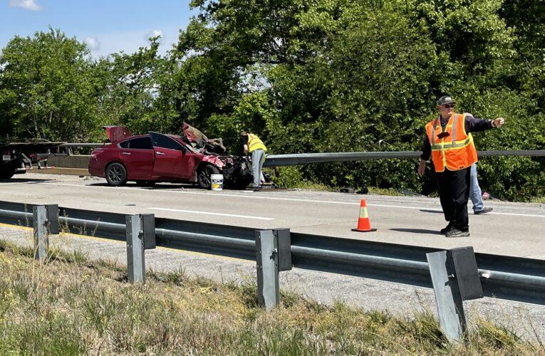 Vehicle Slams into Guardrail on Audubon Parkway