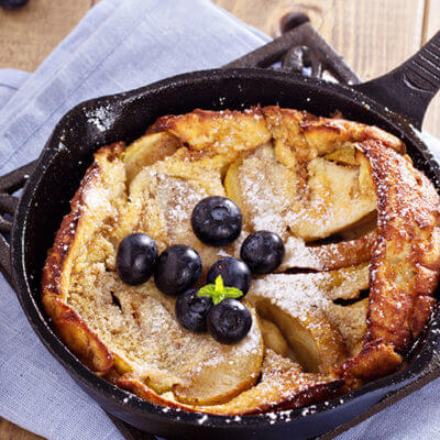 Dutch Babies with Apples, Cinamon and Sugar