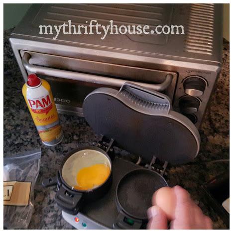 breakfast sandwich with egg