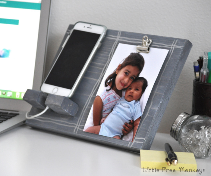 DIY-phone-holder-and-picture-display