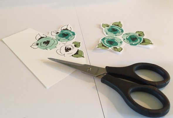 Monogramed note cards done by Jeneren14 on Instagram, cutting image to be placed on card