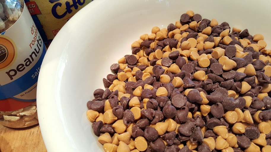 butterscotch-and-chocolate-chips-for-chow-mein-noodle-cookies