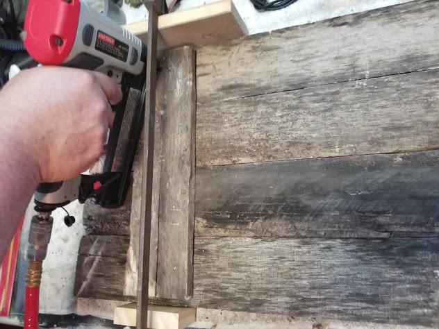 Assembling stenciled pallet wood sign