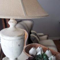 Easy DIY distressed farmhouse lamp