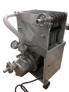 20 cm x 20 cm filter including pump