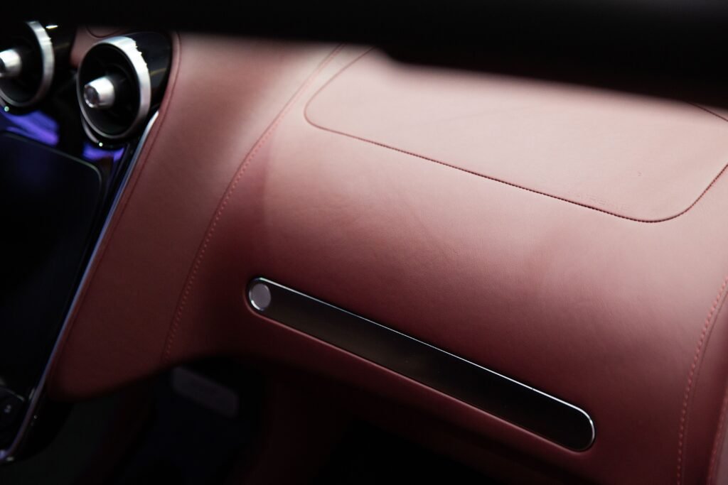 ARTISTIC FUNCTIONALITY: THE INSIDE STORY ON THE McLAREN GT'S UNIQUE AND HIGH-TECH INTERIOR MATERIALS via Carsfera.com