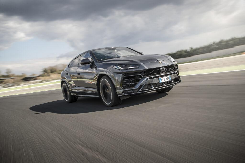 Lamborghini Urus: 6 driving modes to enjoy the Super SUV in 6 different ways