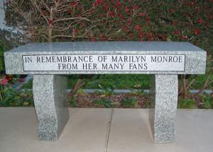Marilyn-Monroe-Memorial-Bench-2