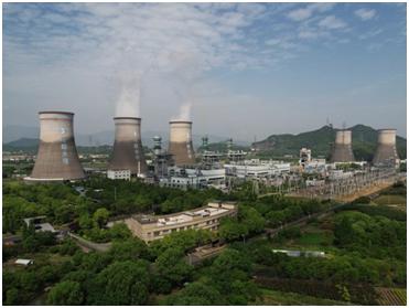 یک نیروگاه زغالسنگی در هانگژو در استان ژجیانگ چین. (عکس از Barcroft Media/Getty)