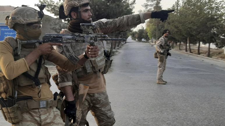 کمک نیروهای اروپایی به ارتش افغانستان در جریان نبرد با طالبان   -   کپی رایت  Abdul khaliq/Copyright 2021 The Associated Press. All rights reserved.