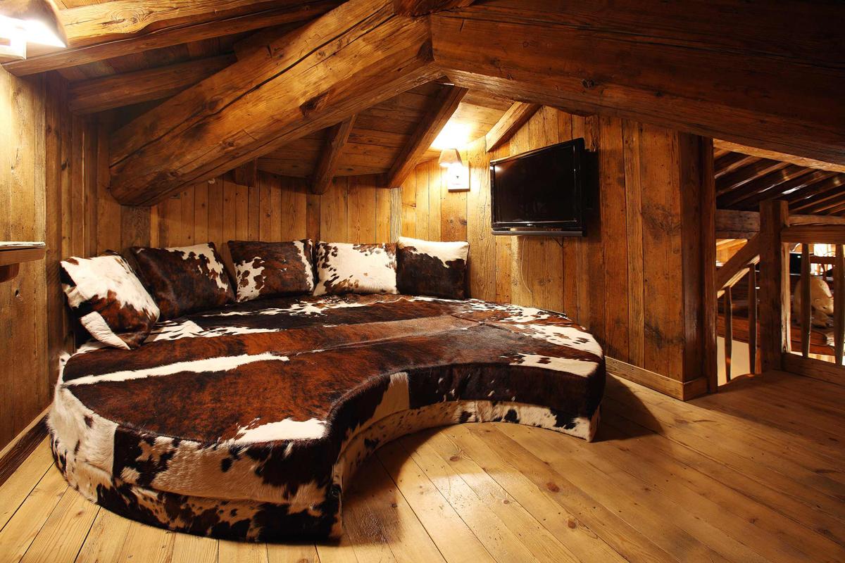 Rustic Style Design | Rustic Bedroom