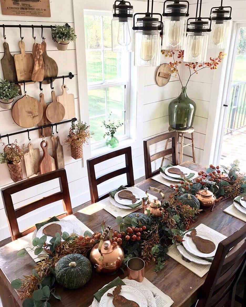 Farmhouse Table | Rustic Decorating Ideas