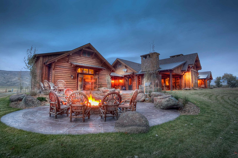Rustic Outdoor Seating Area   Locati Design
