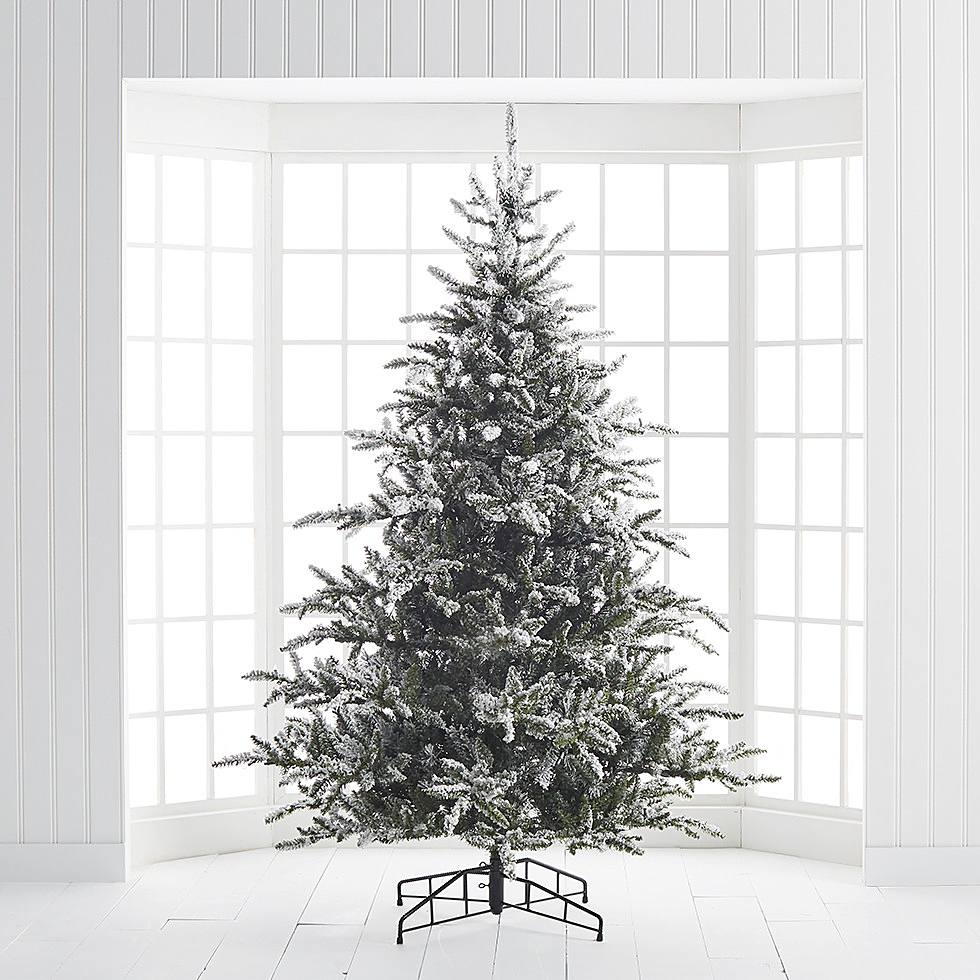 How to Decorate a Christmas Tree | Step 1