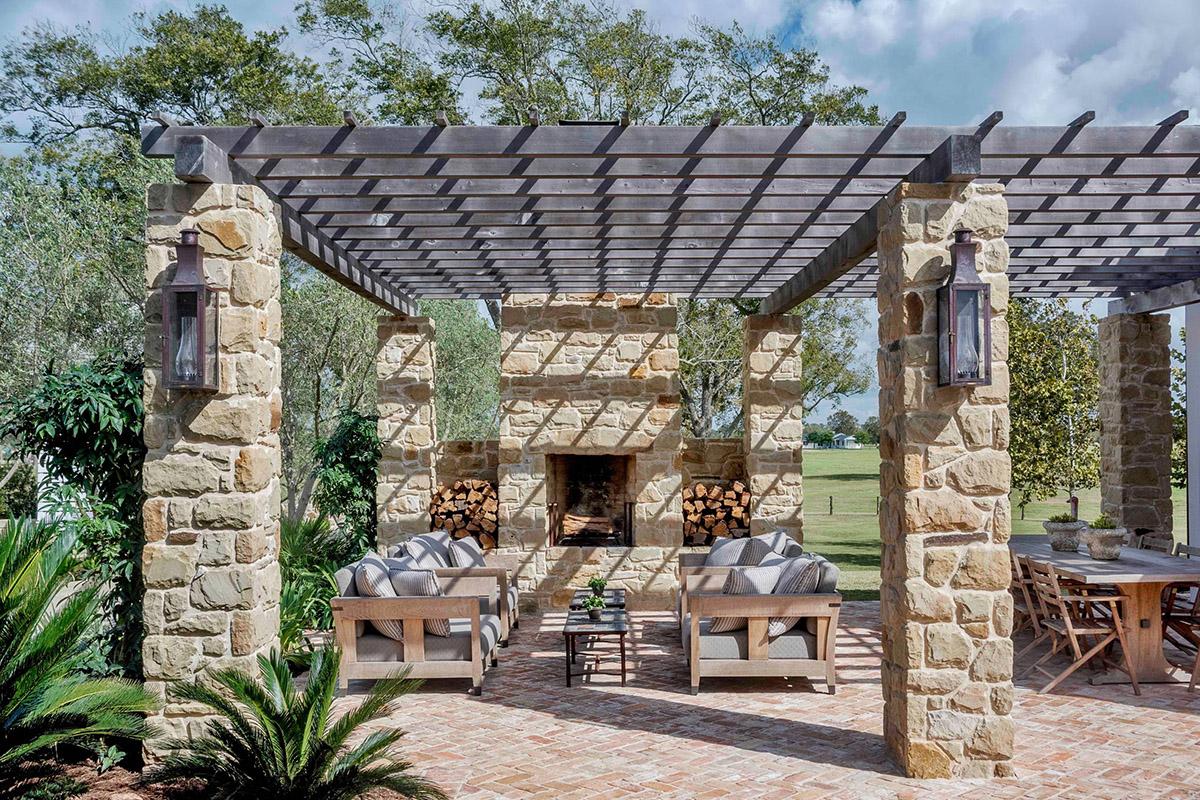 Rustic Farmhouse Backyard Ideas