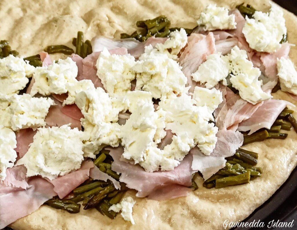 Pizza bianca con asparagi_preparazione