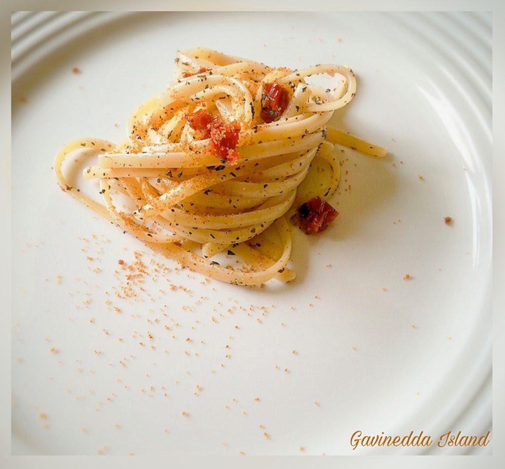 Spaghetti pomodori secchi e bottarga con erbe aromatiche