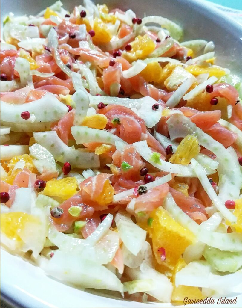 Insalata salmone, arancia e finocchi
