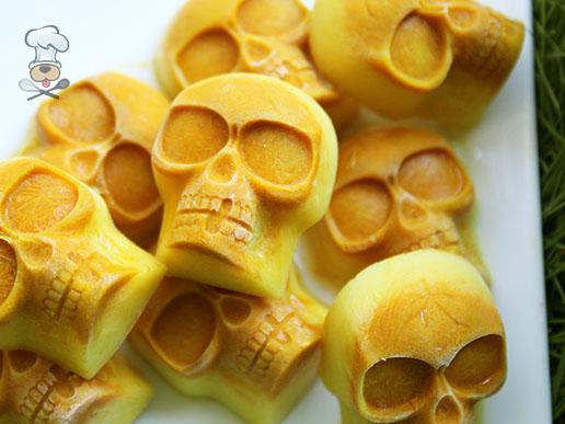 (grain, gluten, wheat and dairy-free, vegan, vegetarian) golden skulls dog treat recipe