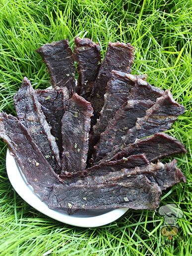 (wheat, grain, gluten and dairy-free) blackberry beef jerky dog treat recipe