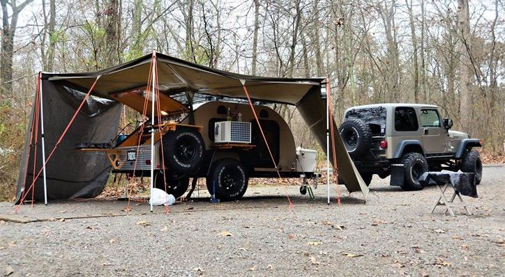 Camping in a khaki tc teardrop and jeep rubicon