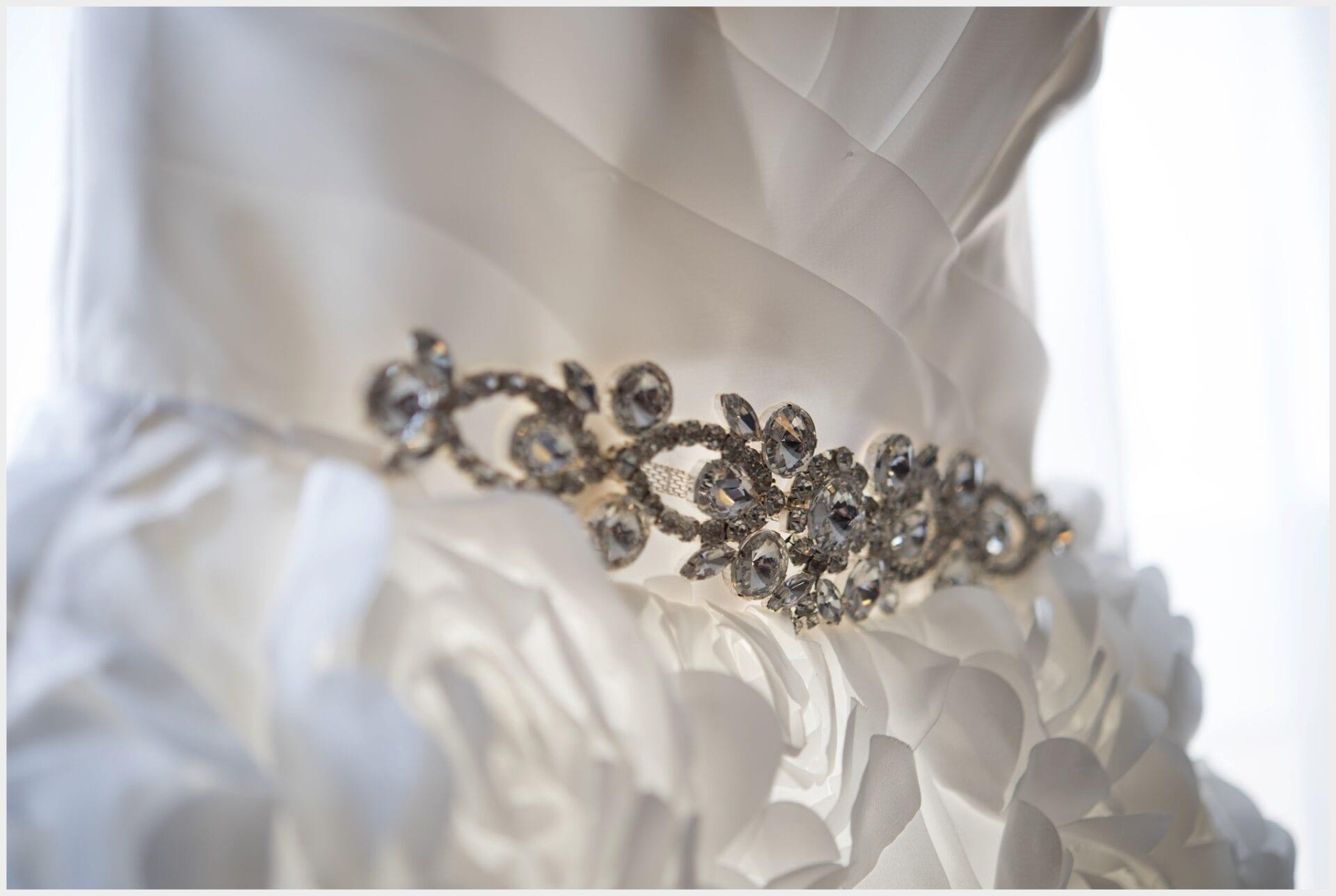 000-Calgary-Priddis Greens-Wedding_dress-photography-jewels