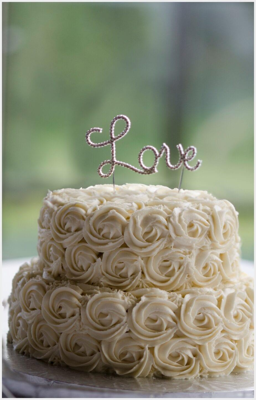 009-Calgary-Priddis Greens Golf and Country Club Wedding_cake_Photography-