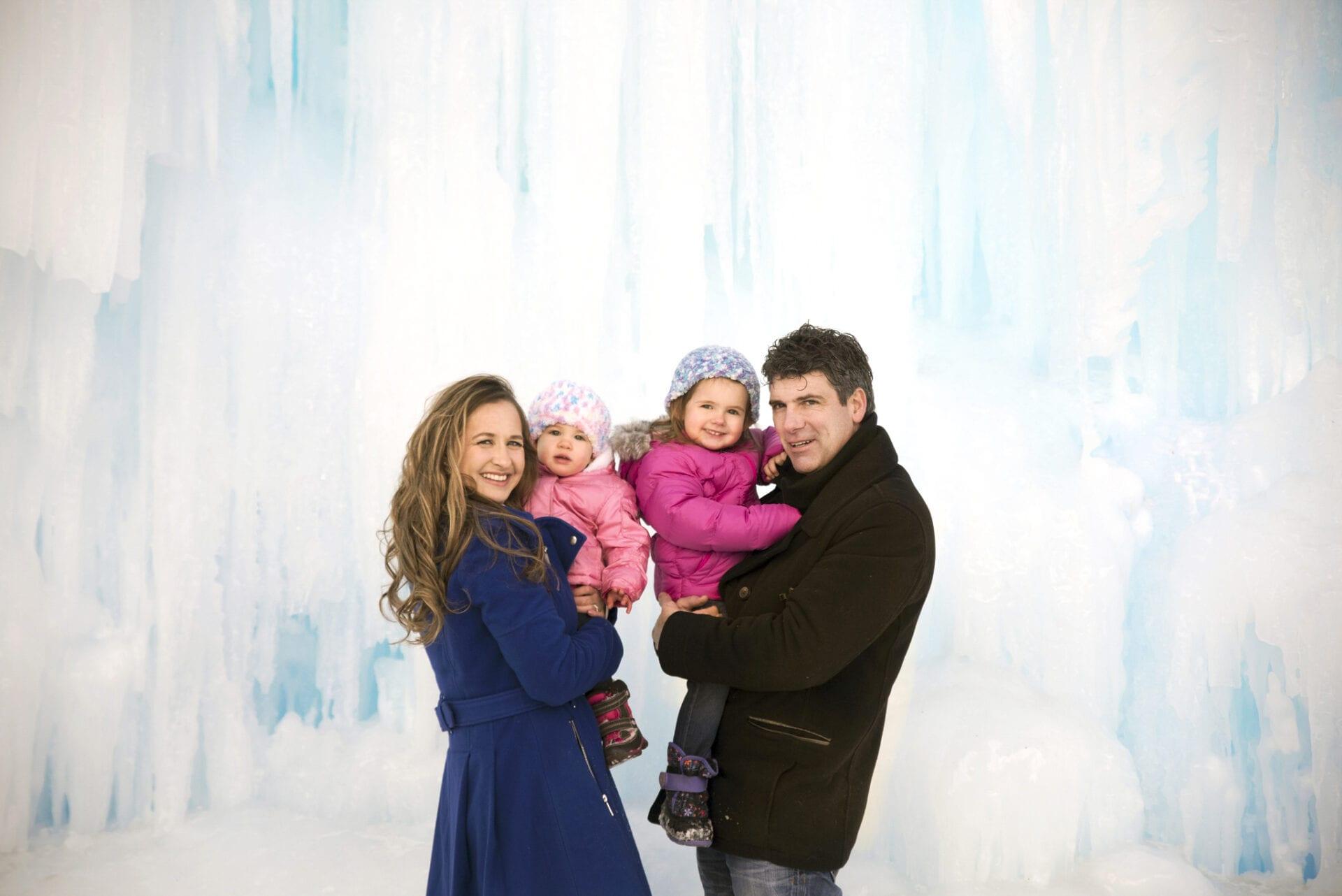 Edmonton Winter Family Outdoor Portrait Photography Ice Castles-_0010