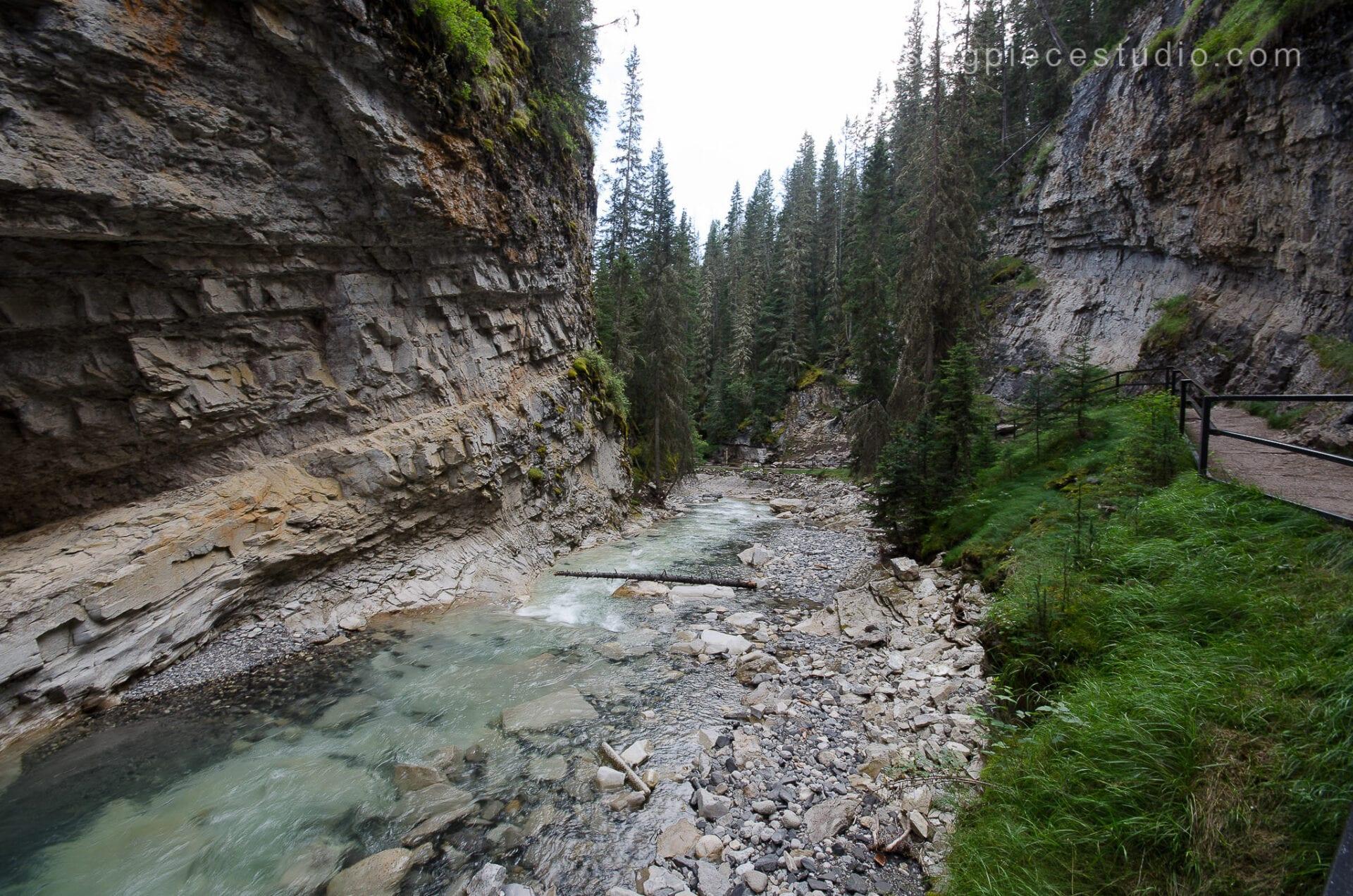 Johnston Canyon Creek-Banff Canada-Alberta019