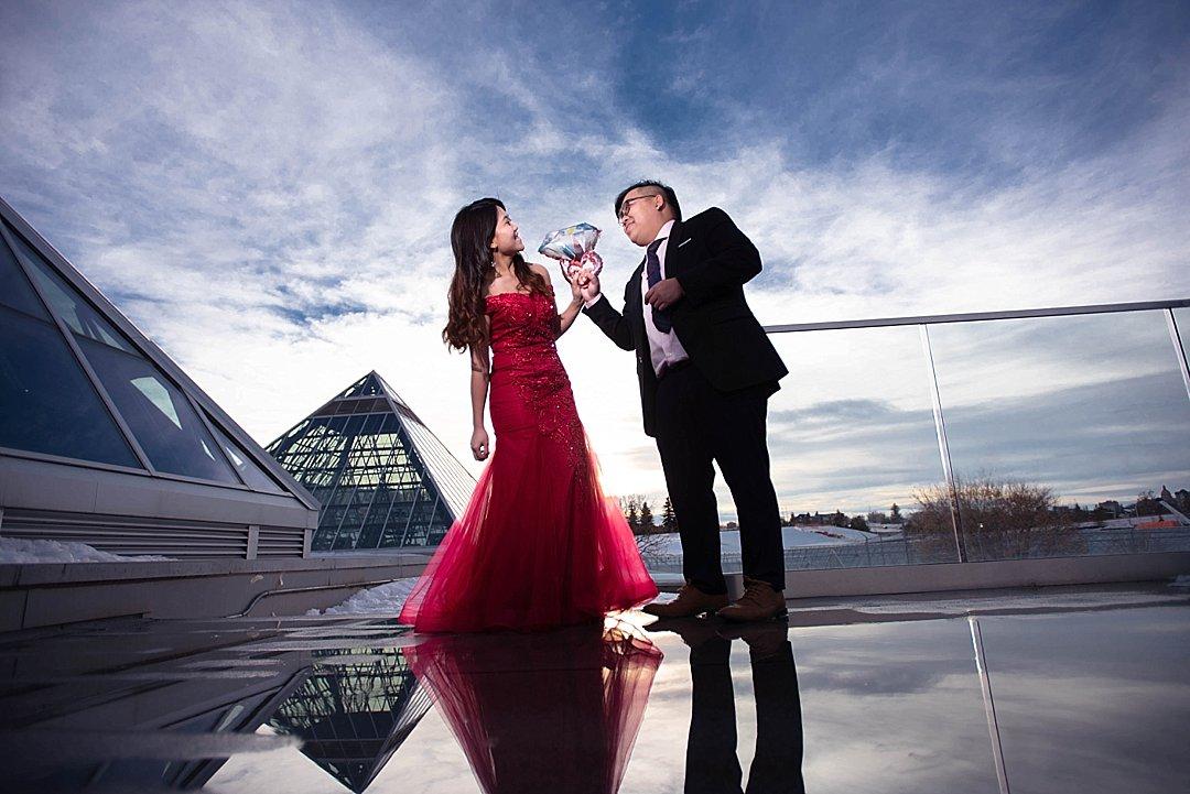 VJ-muttart-winter-engagement-pre-wedding-_0015