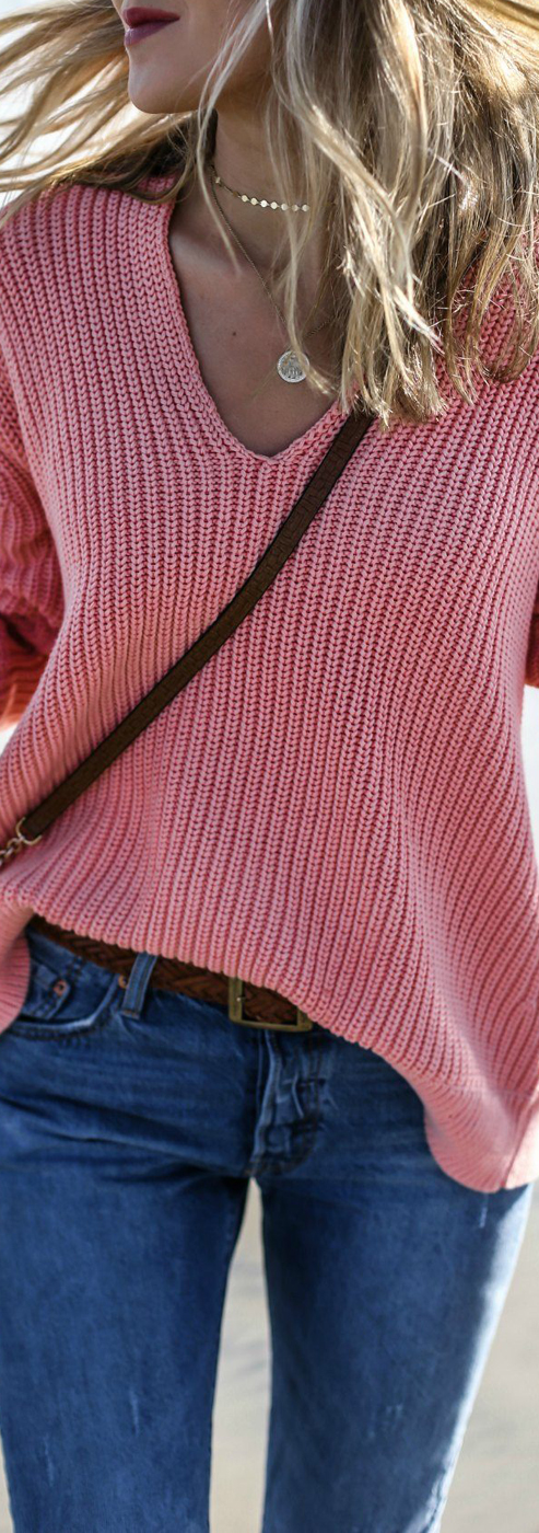 Street Style 2017 | Mary Orton | Coral Knit Sweater & Levis