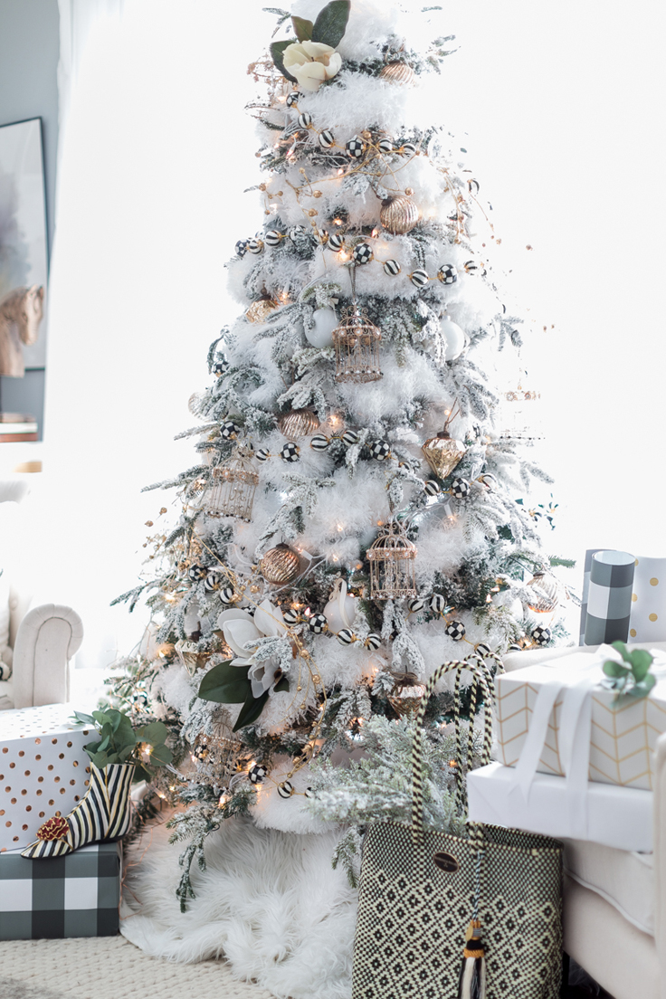 Black & White Christmas Tree