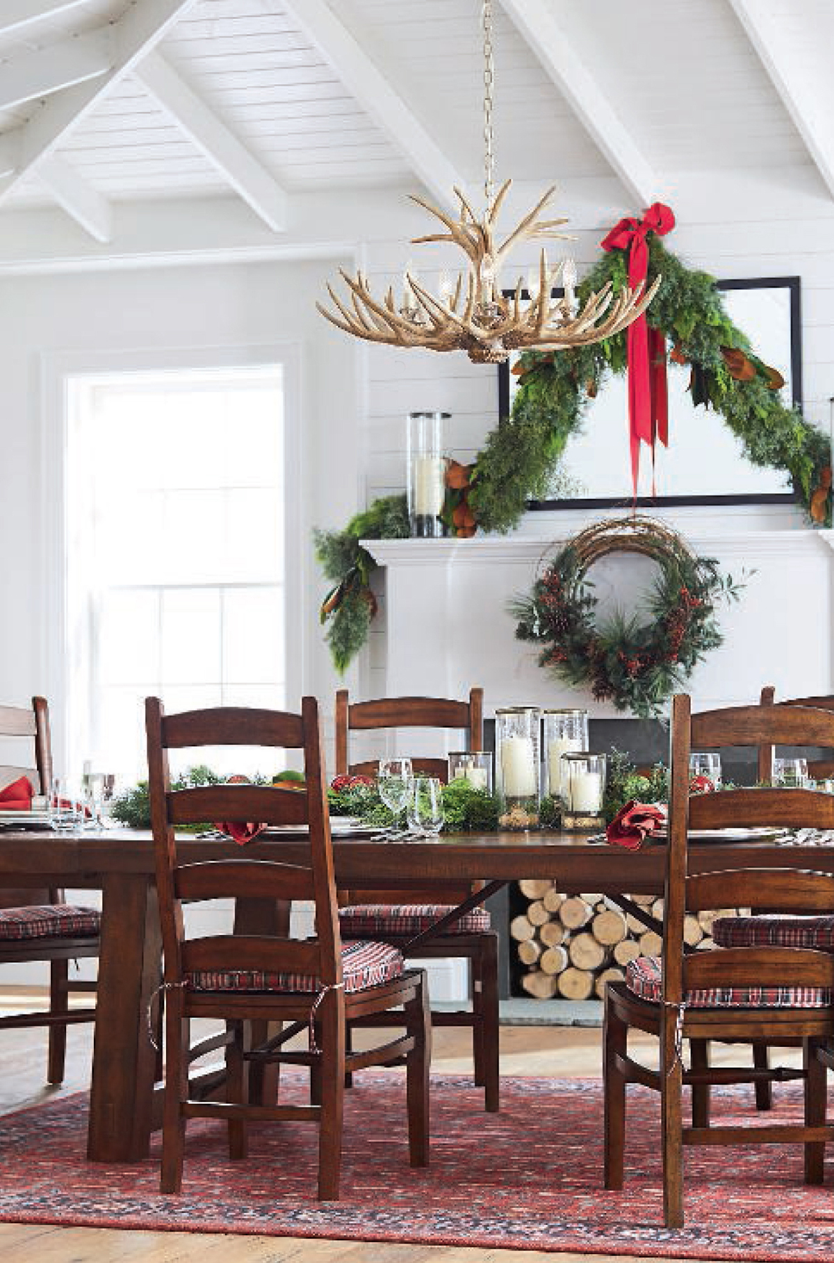 Rustic Christmas Dining Room