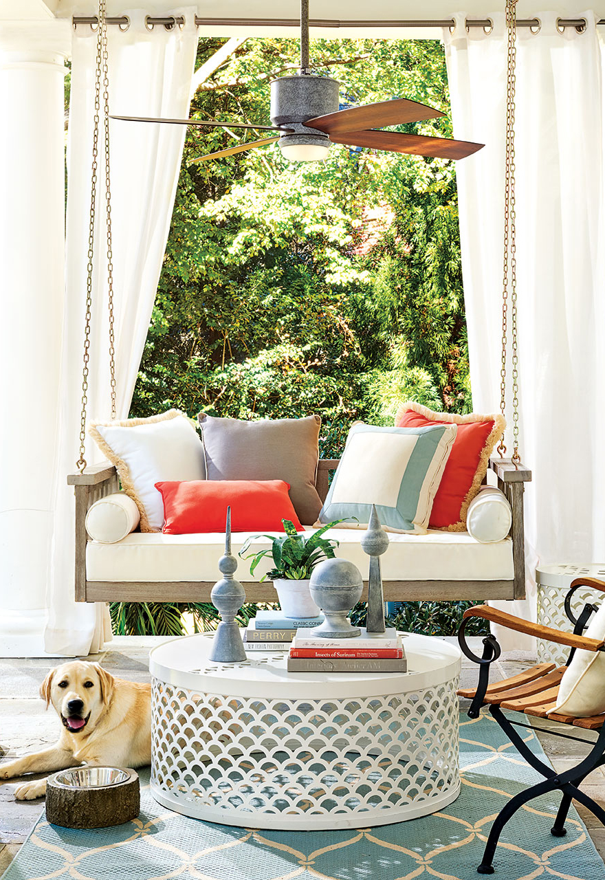 How to Decorate Outdoor Spaces