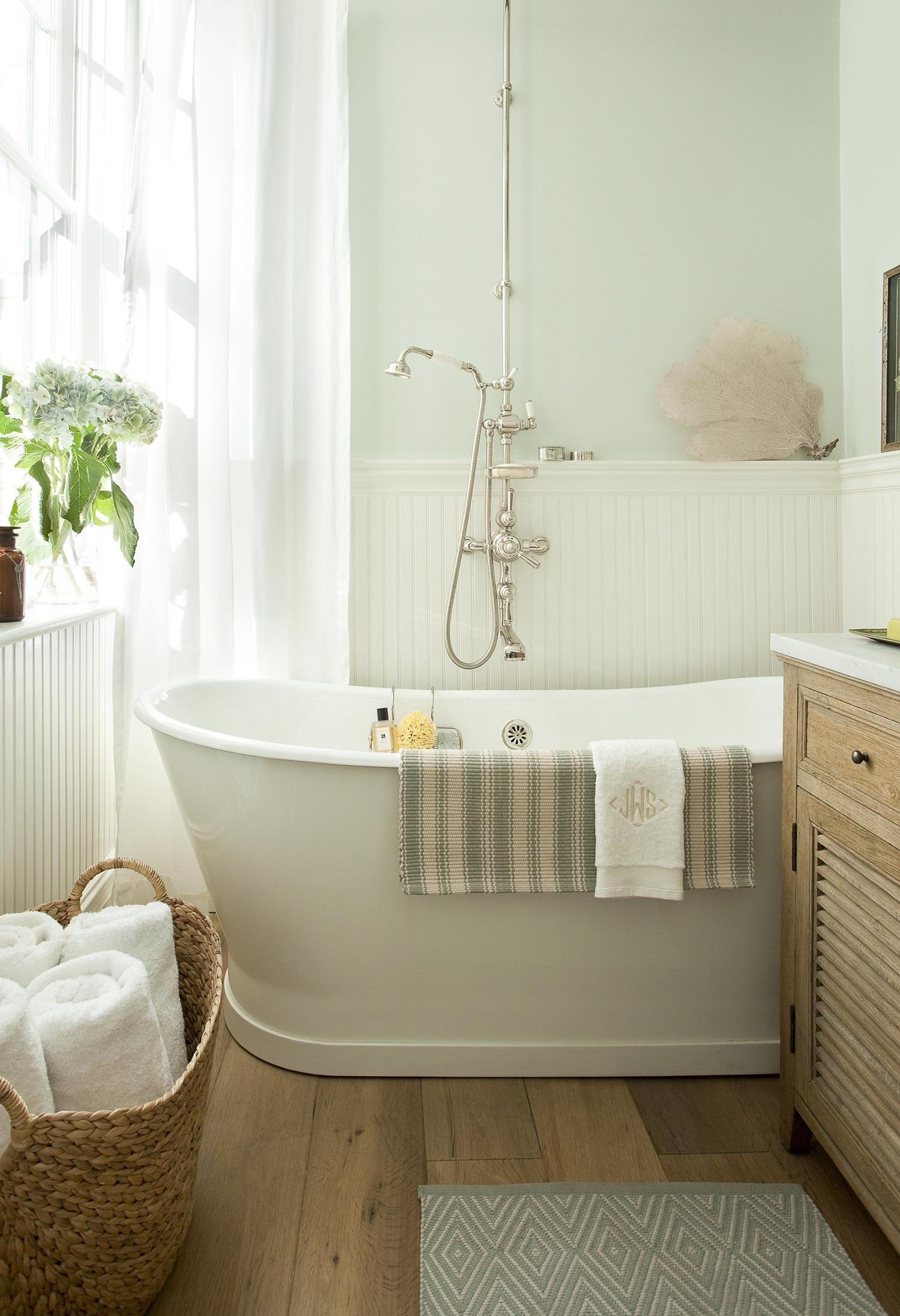 Light Bathroom Ideas