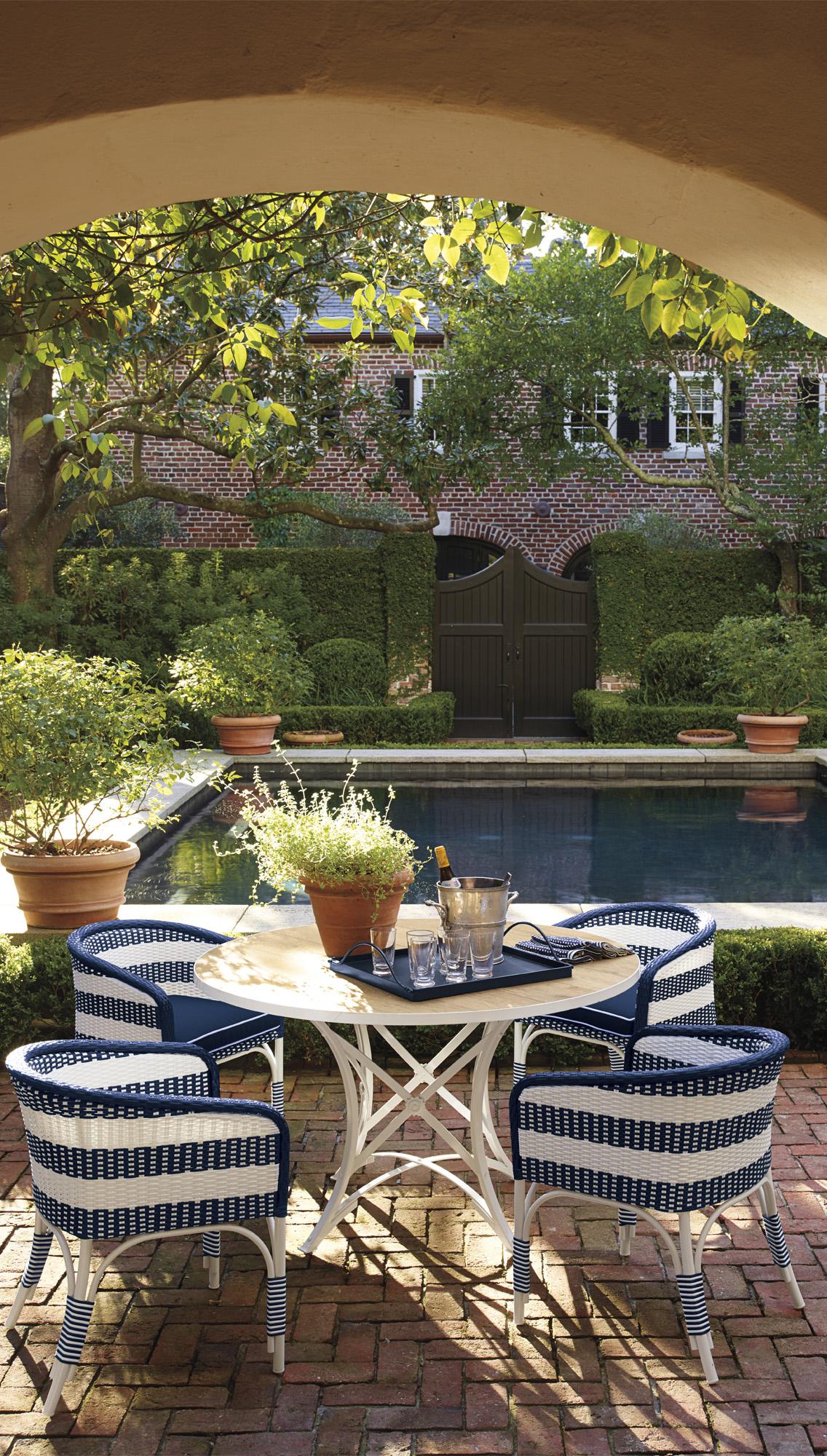 Outdoor Bucket Chairs
