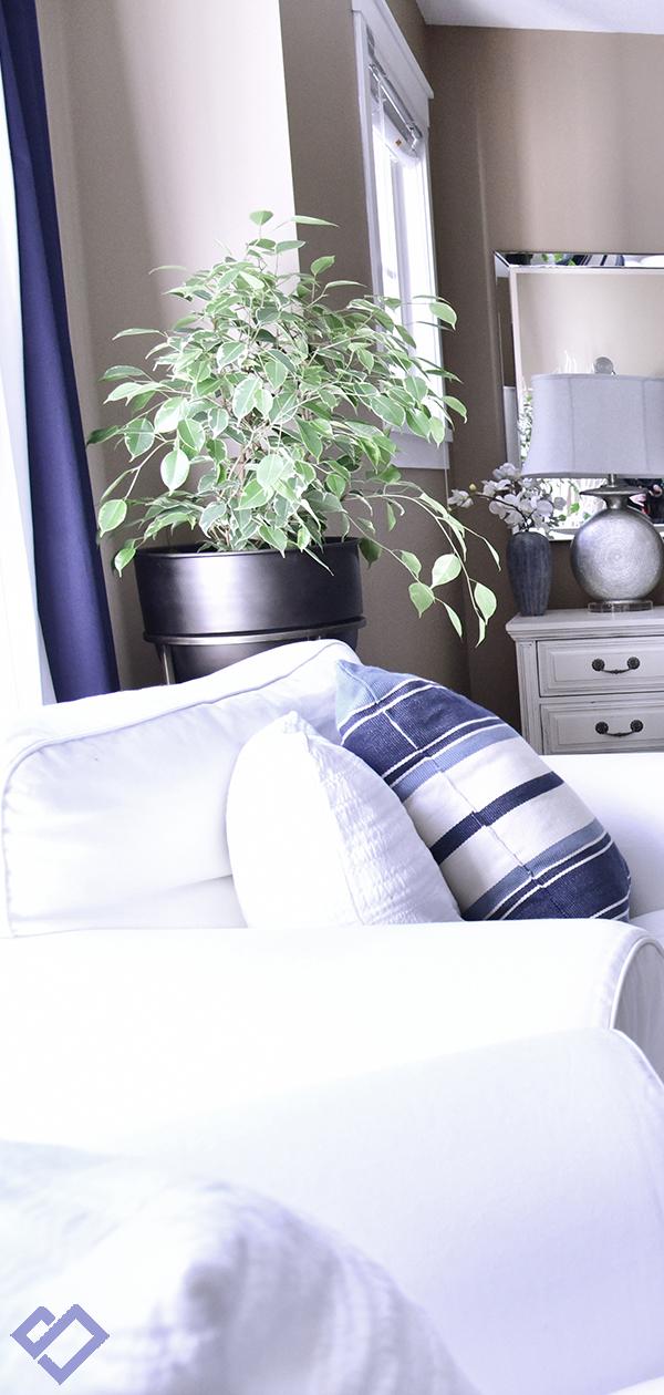 Modern Coastal Bedroom Decorating Ideas | Designed by Tracy Svendsen | Buyer Select Blog
