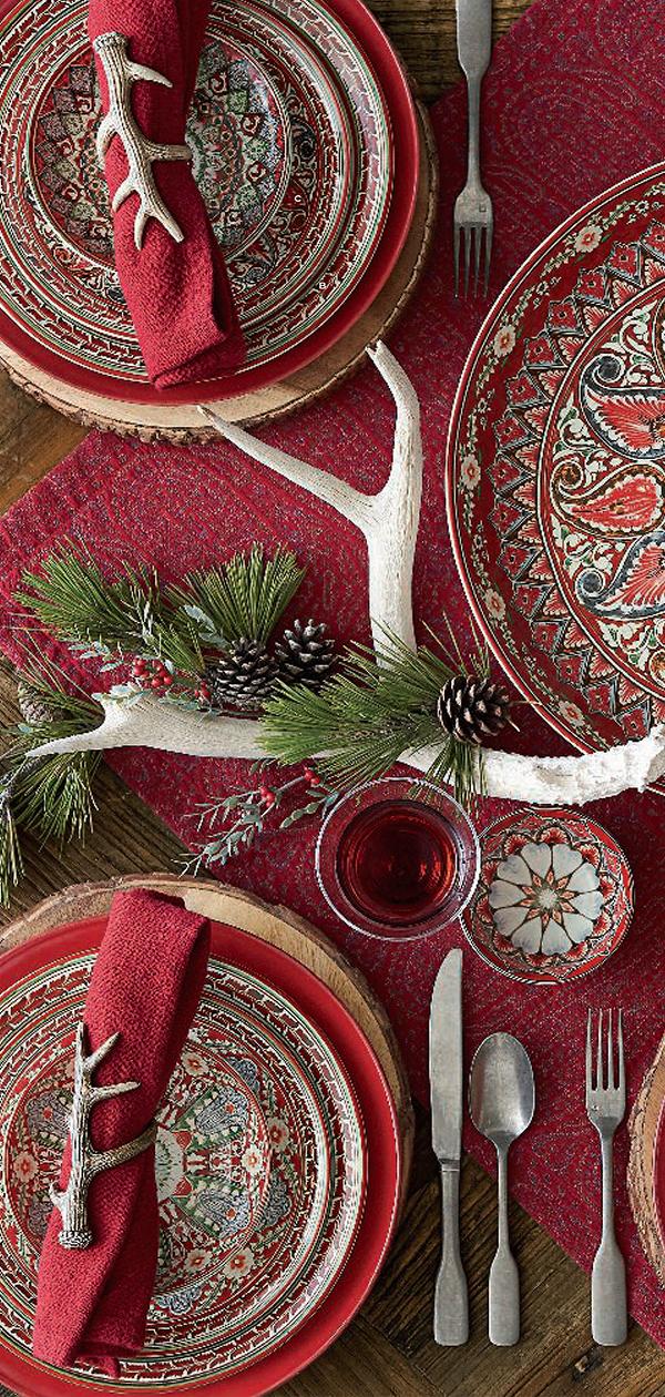 Christmas Lodge Tablescape | Christmas Decorating Ideas