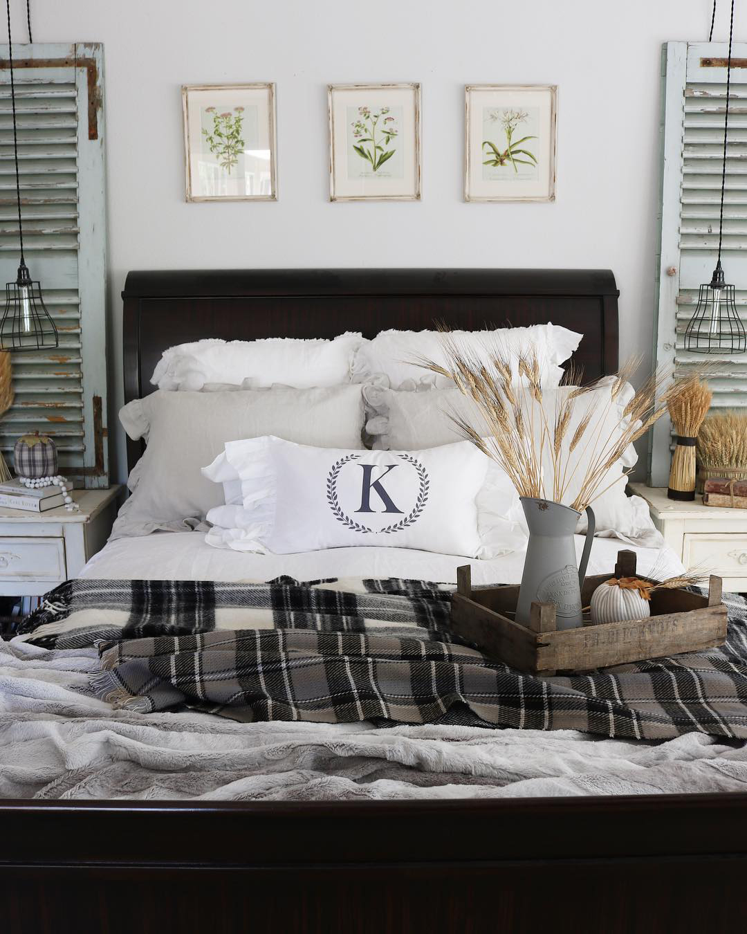 Beautiful Fall Bedroom | The Design Twins