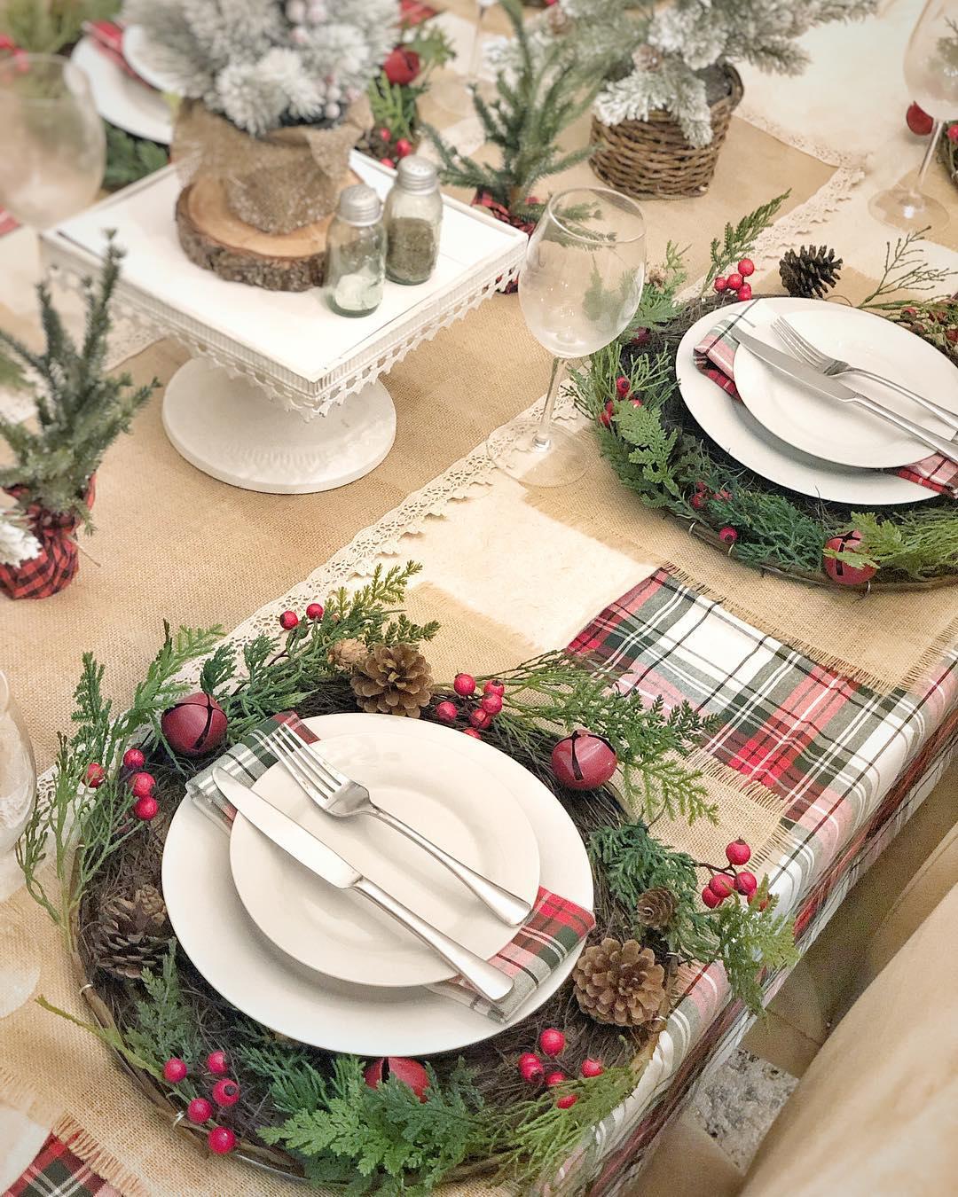 Farmhouse Christmas Table Setting | CNS Designs & Decor